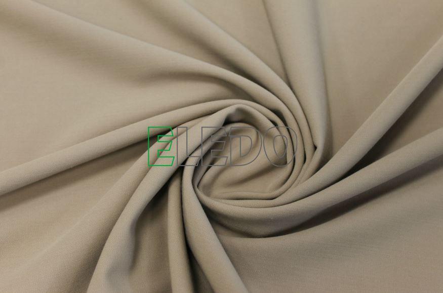 Tkanina chránící před účinky elektrických polí